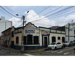 CENTRO BUCARAMANGA Casa en venta Tres habitaciones tres baños tres salones amplios