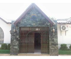 VENDO CASA EN MONTELIBANO CORDOBA, ESQUINERA, UN SOLO NIVEL