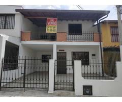Venta de Casa en Giron Vehicular 2 plantas