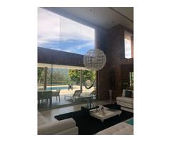 Venta de hermosa finca en Villa Roca Copacabana