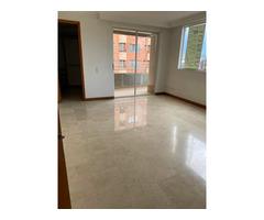 Apartamento en Medellin en venta en Laureles