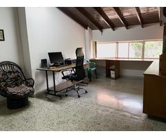 Venta de amplio Apartamento en Medellin Calazans