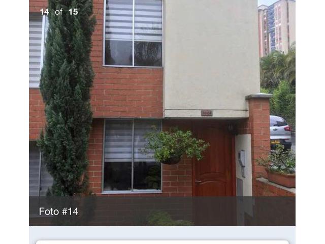 Venta de Casa en la Loma del Indio Medellin en unidad cerrada