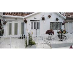 Venta de casa Ubicada en el sector Belén los Alpes cercana a Universidad de Medellín