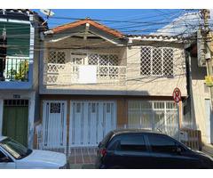 Venta de casa amplia en Yumbo barrio Belalcázar