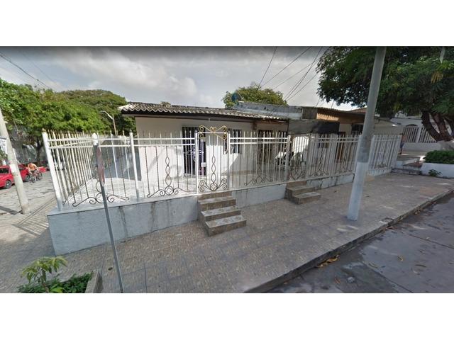 Venta de Casa y 2 apartamentos independientes en La Victoria Barranquilla