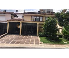 Vendo o permuto en Cañaveral Espectacular casa conjunto Hoyo en Uno