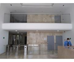 HERMOSA OFICINA 60 M2 ESTRENAR CARTAGENA VISTA A LA BAHIA 3 PARQUEOS DOTADA AIRE ACOND Y CORTINAS