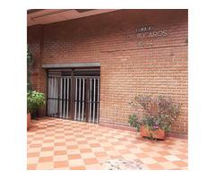 Venta de Apartamento en el centro de Medellin edficio Los Bucaros