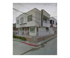 Venta de Casa en Cartagena barrio Maria Cano calle principal, esquinera
