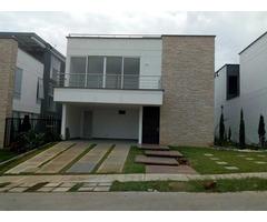 Estrena casa campestre en Pance, detrás de  la universidad San Buenaventura  Área de Lote 414 metros