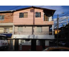 Venta de Edificio de tres casas en la entrada del barrio San Rafael La Colinita