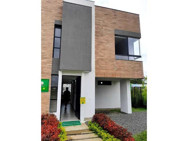 Venta de Casa en Jamundi, Condominio Fioreli