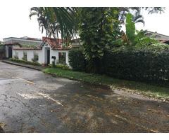 Vendo Casa semicolonial en Condominio Campestre La Morada