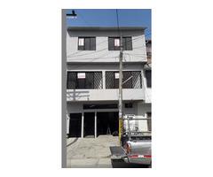 Casa 3 pisos independientes barrio El Trebol