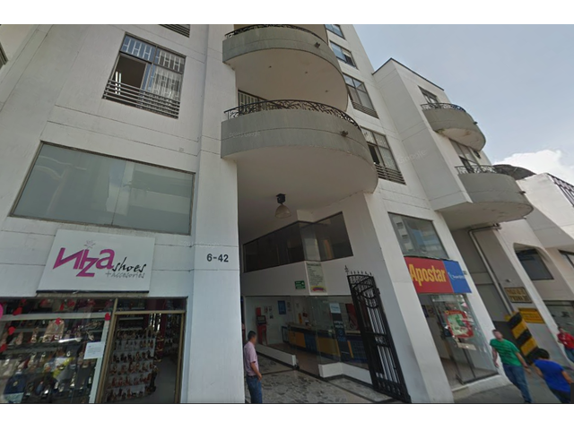 """""""INMOBILIARIA INVERSOL E. U. """" Vende en PEREIRA RISARALDA Local u Oficina 202 edificio CLUB RIALTO,"""