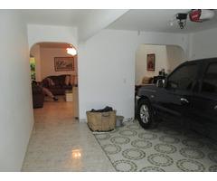 Vendo Casa de Tres Niveles en Valle de Lili - Cali