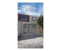Venta de Casa Totalmente Remodelada en Santa Isabel - Bogotá
