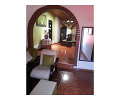 Vendo Hermosa Casa muy Amplia en el Barrio Ambala