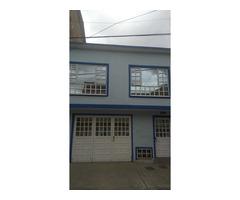Vendo Casa de 2 Pisos  en el Barrio San Vicente
