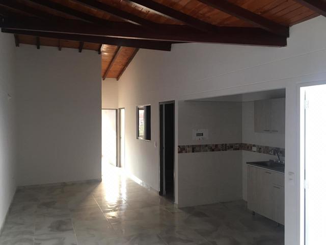 VILLA LINDA GIRON Bonito Apartamento 80mt2 tercer piso