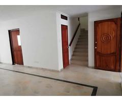 Casa de 2 Plantas con Apartamento Independiente