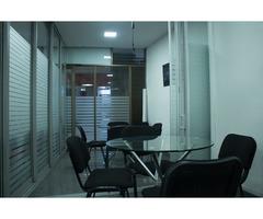 Lindas oficinas en el Centro de la Ciudad
