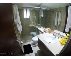 Rah código 19-795: Apartamento en Venta en Niza Bogota