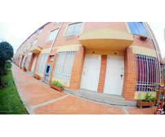 Rah código 19-825: Casa en Venta en San Antonio Norte Bogota